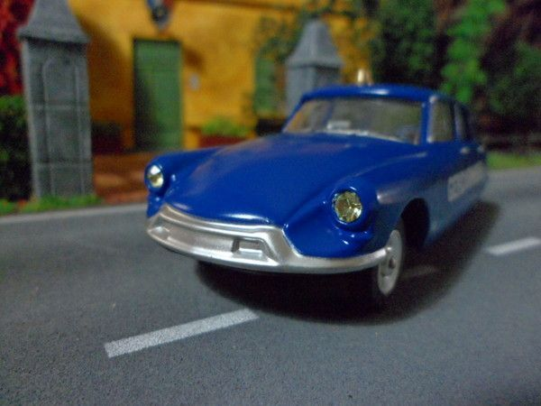 Citroen DS 19, vue de face !!!!!